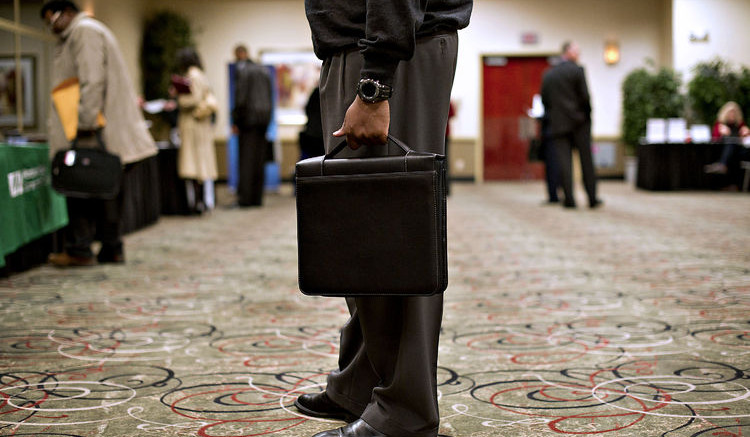 U.S. Unemployment claims  increased. Photographer: Daniel Acker