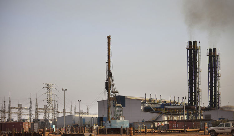 An oil processing facility in the Upper Nile, Sudan. Photographer: Trevor Snapp