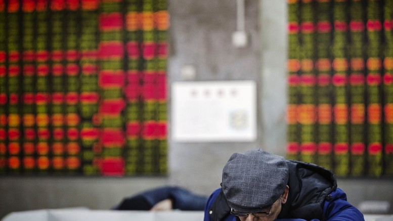 China's Stocks Tumble as Markets Reopen After Week-long Holiday