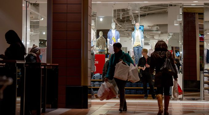 Retail Sales. Shoppers at the Atlantic Terminal Mall in the Brooklyn borough of New York. Photographer: Craig Warga