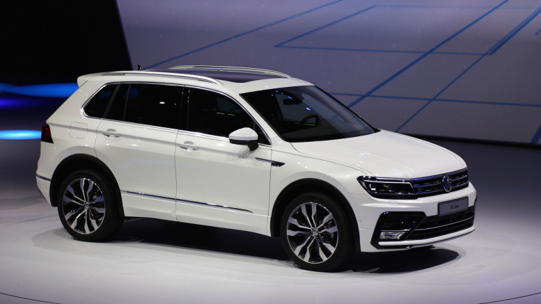 volkswagen builds new golf based suv. Black Bedroom Furniture Sets. Home Design Ideas