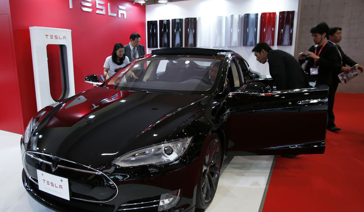 Tesla Motors Inc  Recalls All 90,000 Model S Cars to Check