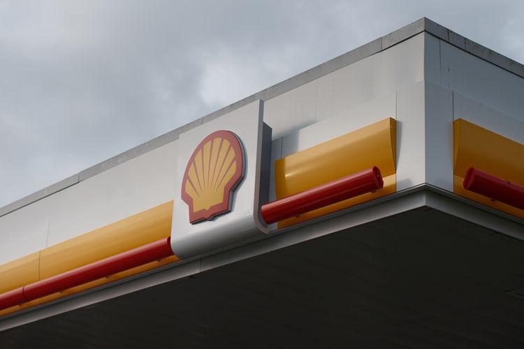 Shell profit drops 44 percent