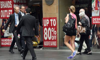 Australian economy expands in 2015