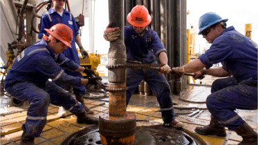fourteen oil workers