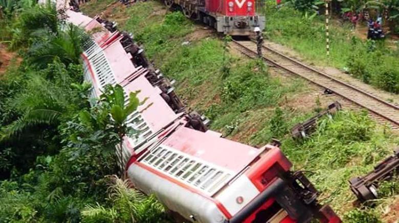 Cameroon's derailed train