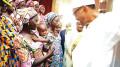 president-muhammadu-buhari-with-the-21-chibok-girls