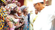 president-muhammadu-buhari-with-the-21-chibok-girls