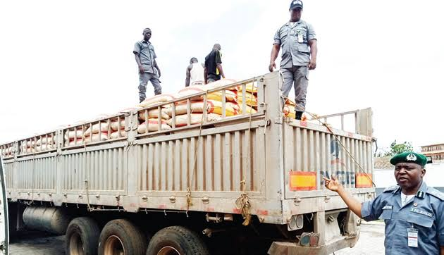 Dangote Truck With Smuggled Rice - Investorsking